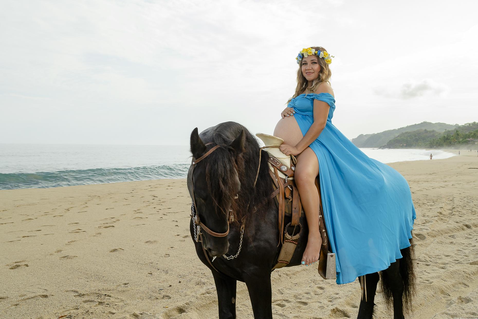 Fotografo--Puerto-Vallarta--Alex-y-Rebeca-Fotografia--Sayulita--Nayarit--Caballos--Playa--Familia--Embarazo--Lifestyle--Maternidad--