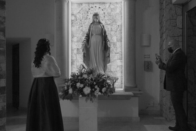Fotografo-Puerto-Vallarta-Jalisco-Alex-y-Rebeca-Xv-anos-Maria-Mariana-Cuasiparroquia-Maria-Reina-de-la-Paz-